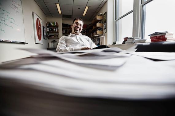 """Nobel suosikki Acemoglu tyrmää perustulon: """"Älkää verottako"""