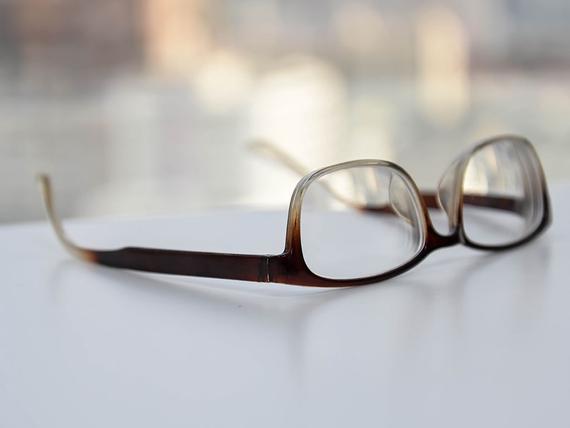 Kalliiden ja halpojen moniteholinssien vertailu on optikollekin vaikeaa –