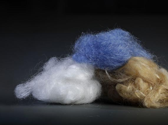 Uusi ekologinen muoti virittää uutta bisnestä myös Suomeen. Kuvassa  Jyväskylässä toimivan Spinnovan uudenlaisia tekstiilikuituja. dbd2ba87f2