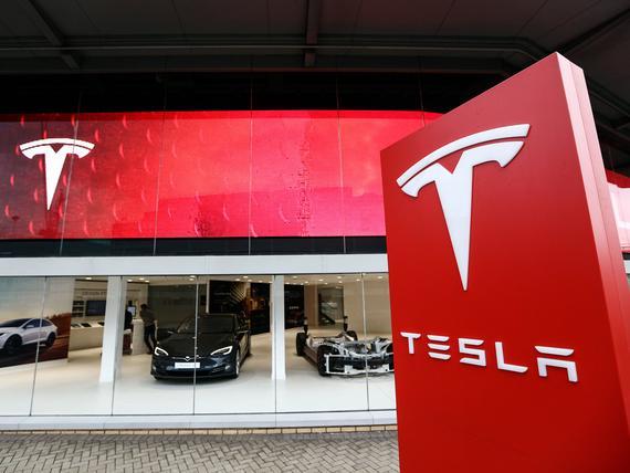 21 Century Auto >> Tesla Kasvatti Hallitustaan Mediamogulin Poika Mukaan
