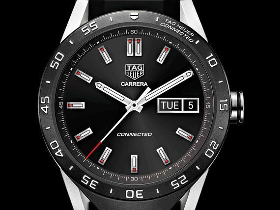 Sveitsiläinen kellovalmistaja TAG Heuer teki markkinoiden ensimmäisen  älykellon 0c12a49e5b