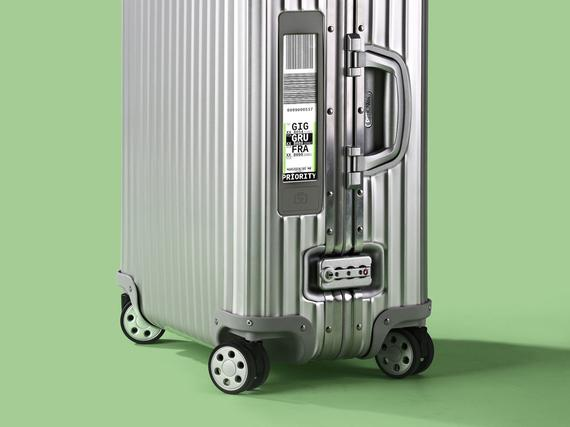 Mikä  Rimowa Topas Multiwheel Electronic Tag -matkalaukku. Mitä maksaa  789  euroa (64 litran vetoinen malliversio). Mistä saa  Rimowa Storesta  Helsingin ... 9455e5bd72
