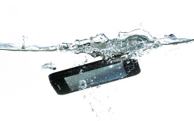 Vedenkestävä Puhelin 2021
