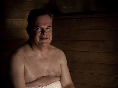 HUS-johtaja nauttii lempeistä löylyistä: Sauna ei ole verkostoitumispaikka