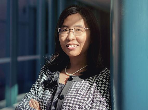 Konenäköä Oulussa kehittävä huippututkija kertoo, miten Kiinan tiedeakatemiassa opiskelu eroaa Suomesta