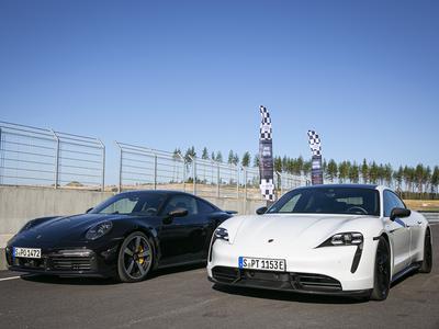 911 Turbo S ja Taycan Turbo S KymiRingillä...