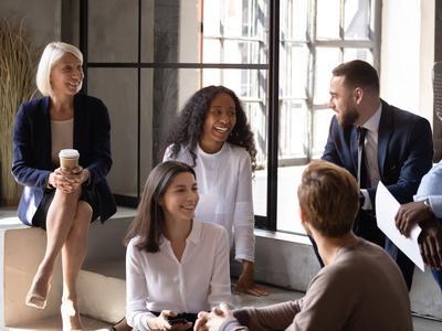 Läsnäolon kokemukset yhdistävät ihmisiä ja lisäävät organisaatioiden...