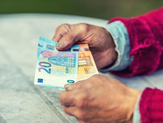 Jopa 11 000 nostaa pian uutta varhennettua vanhuuseläkettä, mutta siinä on yllättävä ongelma ...