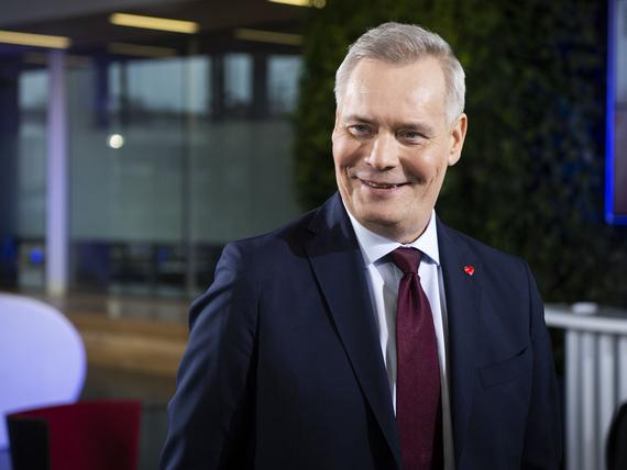 Antti Rinne Koulutus