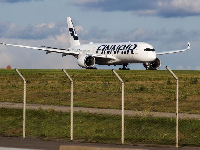 Mitä Saa Ottaa Lentokoneeseen Finnair