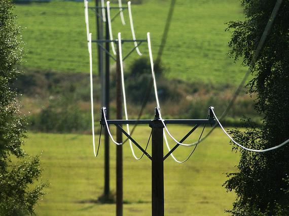 Olisiko tämä yksi ratkaisu sähkön hintojen laskuun: Kotiin yksi sähkölasku ja kaikesta sähköstä maksettaisiin samalla tavalla kuin laajakais